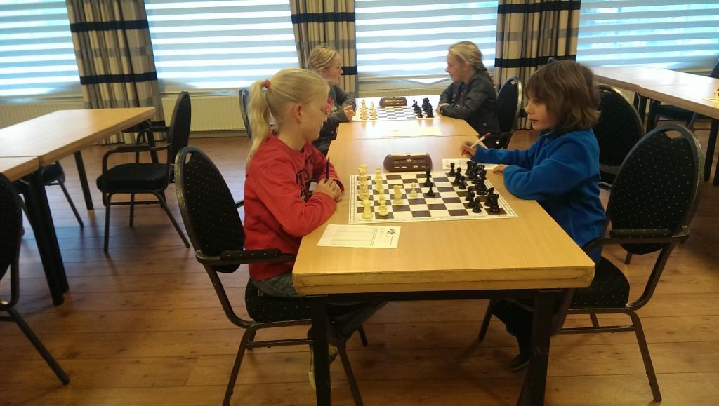 Janne schaakt tegen Lieke